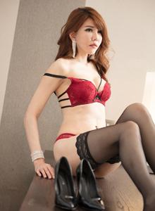台湾美女黄淑华Maggie黑丝美腿性感私房大尺度写真