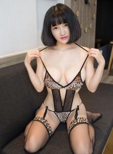 尤物馆性感美女小探戈豹纹情趣内衣丝袜美腿最新写真