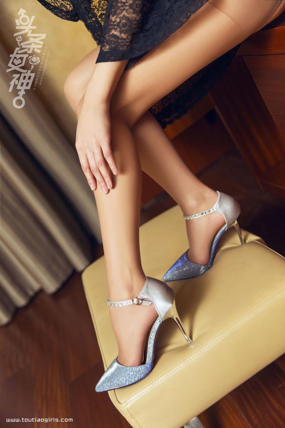 头条女神林宛倪性感尤物丝袜美腿私房写真套图