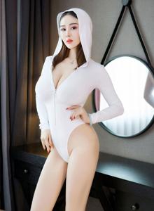 猎女神丰臀巨乳美女模特易阳Silvia高清性感福利写真本
