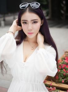 秀人网新晋女神梦娜Vanessa清纯美女甜美写真图片