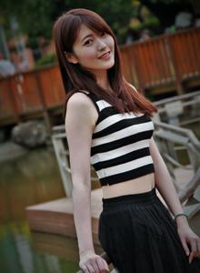 台湾清纯美女Brindy薛薛俏皮可爱户外摄影写真