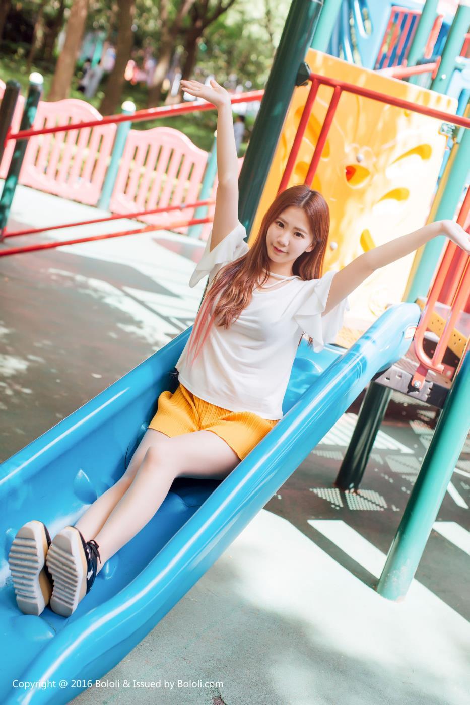 BoLoli波萝社甜美小清新模特董晨莉清纯美女写真图片