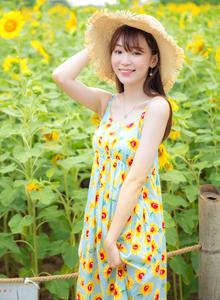 向日葵日系小清新美少女连衣裙户外摄影写真图片