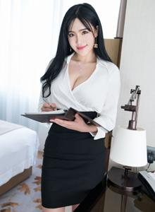 丰满巨乳模特刘钰儿职场OL装性感美女诱惑写真套图