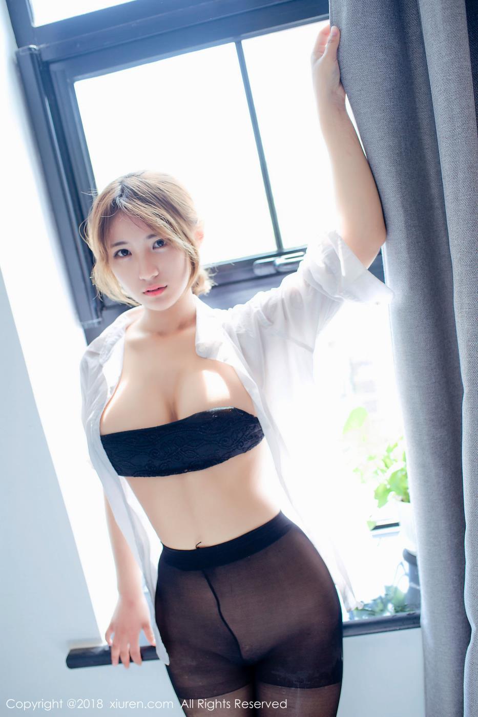 秀人网模特久久Aimee巨乳美女丝袜美腿诱人写真套图