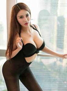 星颜社liyiyi模特黑丝内衣巨乳美胸诱人写真套图