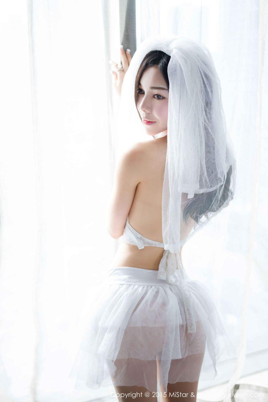 凹凸有致性感美女模特沈佳熹缕空内衣诱惑大尺度写真