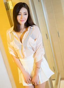超短裙御姐气质清纯美女模特美希子清秀唯美写真套图