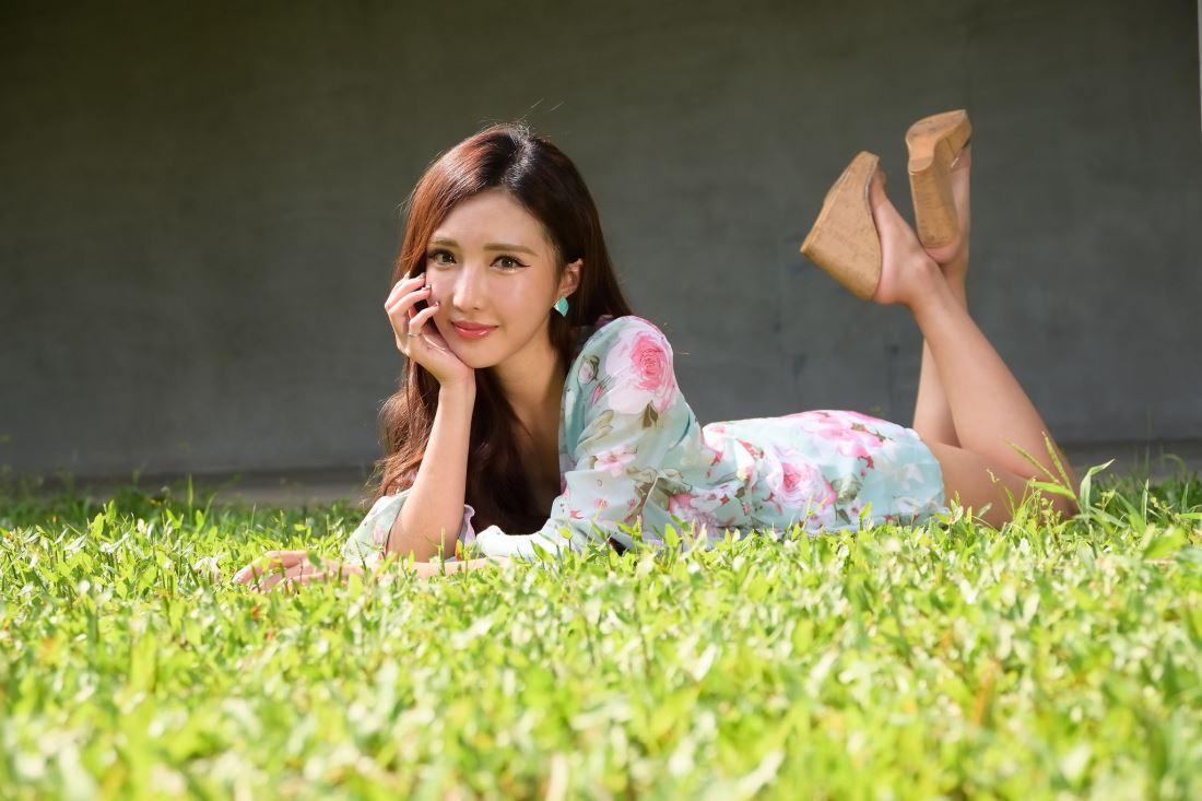 优雅女神台湾清纯街拍美女赵芸Syuan青春靓丽写真套图