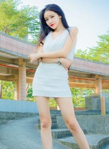 台湾美女詹艾葳Avril清纯气质美女时尚街拍写真图片