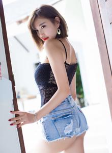 丰满巨乳美女杨晨晨sugar牛仔短裤美臀诱惑时尚写真