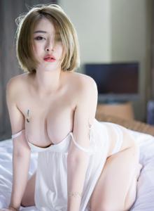 凯竹BuiBui性感美女半透明内衣诱惑巨乳翘臀写真图片