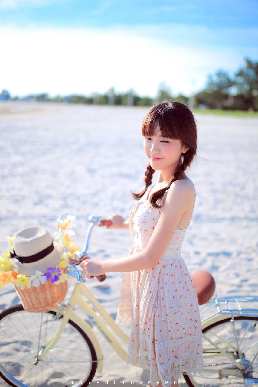 纯夏之末清纯可爱连衣裙少女海边小清新摄影写真