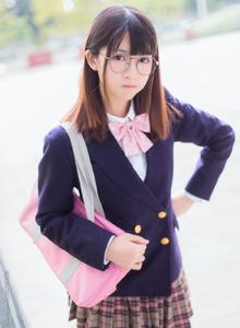 美女主播鳗鱼霏儿眼镜娘JK学生服清纯可爱写真图片