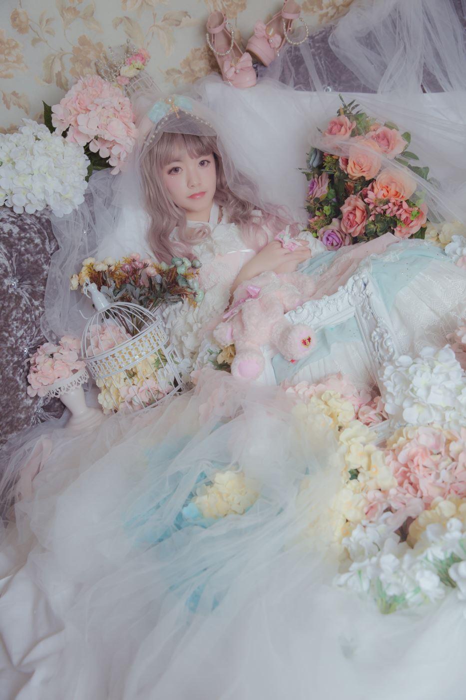 清纯少女萌妹子Lolita装扮甜美可爱美女摄影写真图片