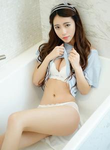 清纯美女邓雪Sweet浴室诱惑修长美腿撩人写真套图