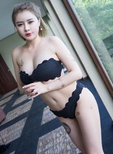 气质女神凯竹BuiBui性感比基尼美女美胸翘臀诱人写真套图