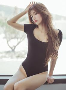 波萝社韩国美女模特kbora性感牛仔热裤姿势撩人写真套图