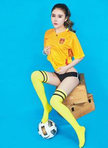 翘臀美腿模特爱丽莎世界杯足球宝贝特辑写真图片