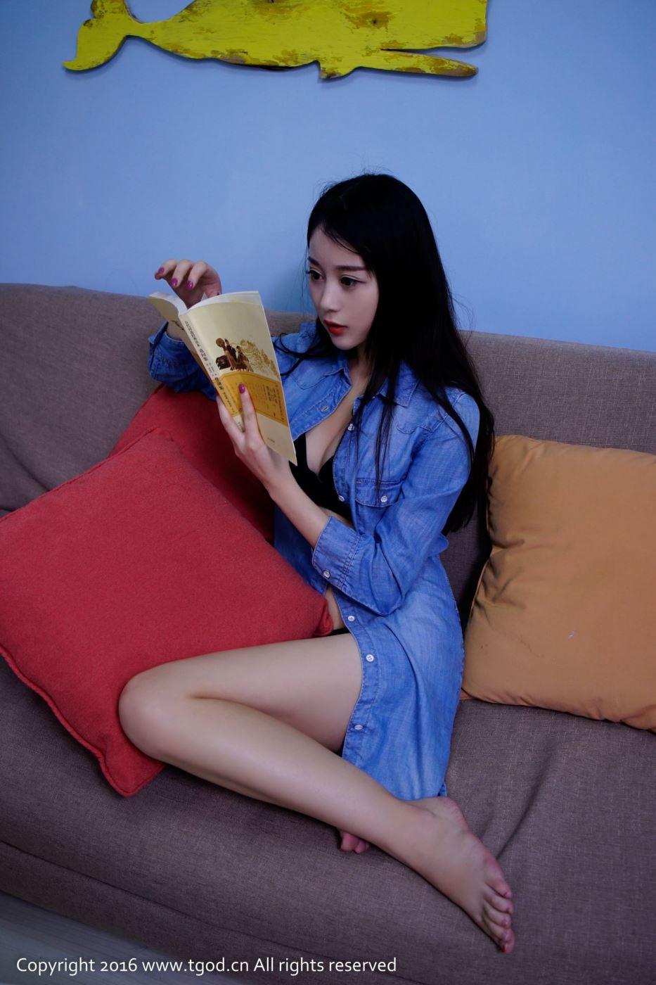 清纯可人性感女神赵小米Kitty内衣诱惑修长美腿图片