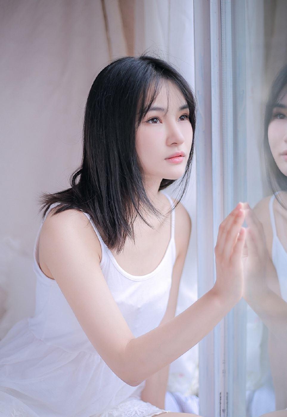 小清新美少女性感吊带睡衣诱惑日系摄影写真图片