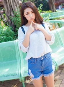 街拍美女小清新夏茉GIGI时尚热裤清纯可爱写真图片