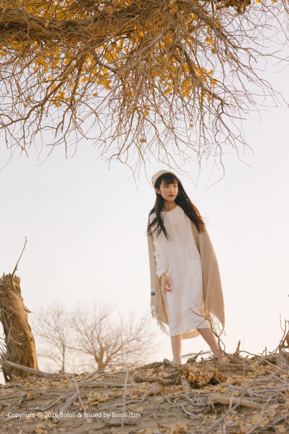 激萌文化网红美女之应沙漠旅拍可爱清纯小仙女写真图片