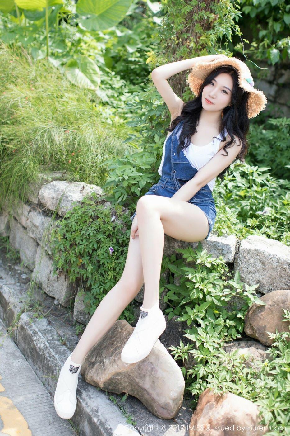 网红美女模特小狐狸时尚牛仔短裤小清新系列美女写真
