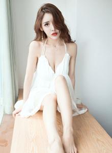 果团网爆乳萝莉Lunana_lee蕾丝小白裙大尺度私房写真图片