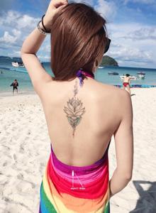 精选两款适合小女生的莲花纹身图片