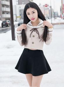 魅妍社陈嘉嘉清纯制服美女高清街拍写真图片
