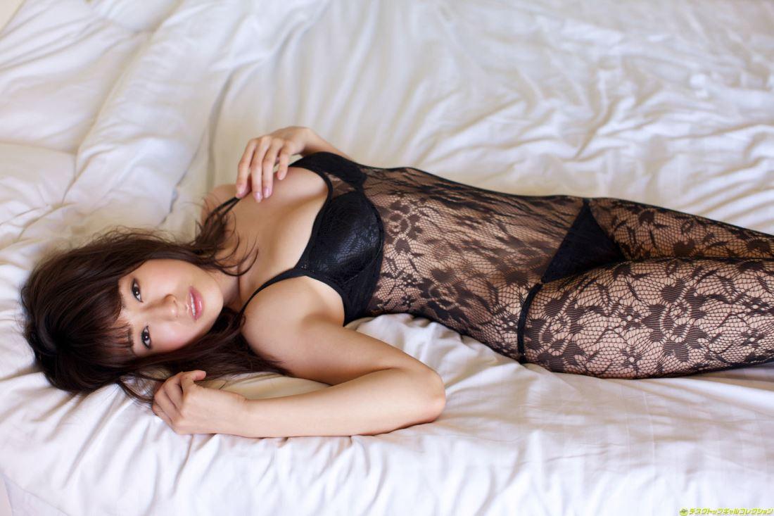 日本美女嫩模黑田有彩丝袜美腿私房大尺度美女图片