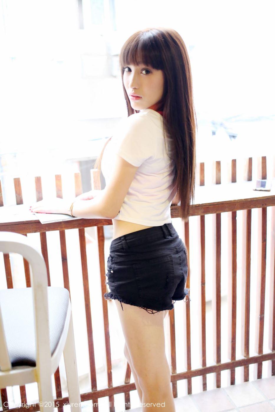 秀人网美女模特Nic妮可可比基尼丰满巨乳诱惑图片