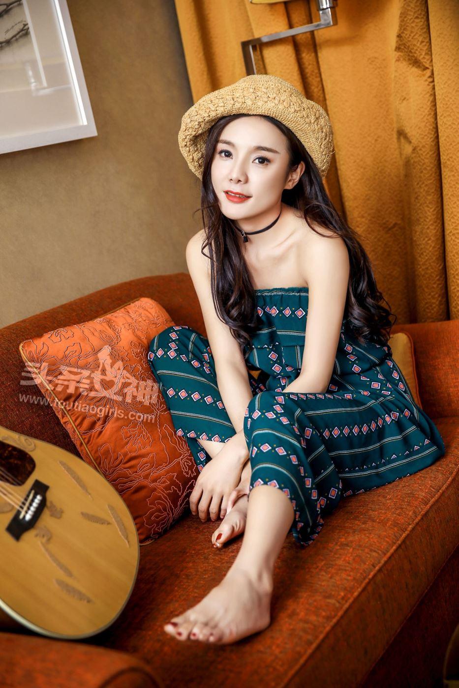 甜美可爱清纯美女模特黄淑华吉他女神唯美写真图片