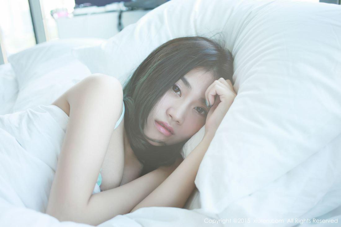秀人网极品美女尤物许诺Sabrina睡姿诱人泰国曼谷旅拍写真
