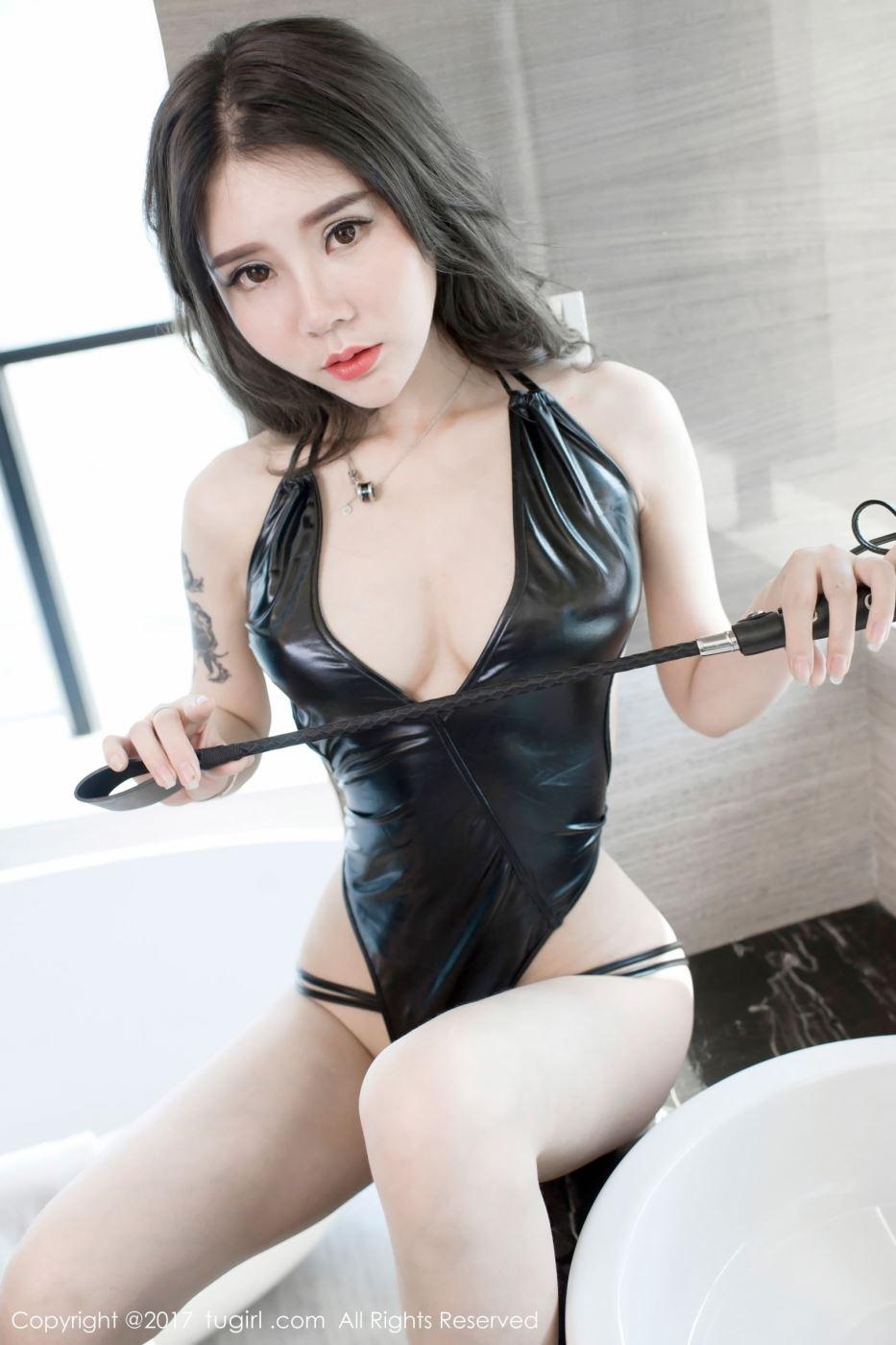 网红美女白嫩酥胸模特爱丽莎Lisa制服美女湿身诱惑写真