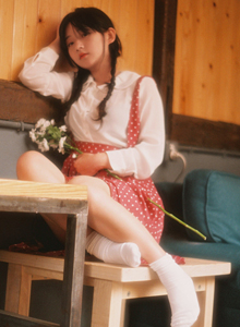 治愈系清纯美女小萝莉碎花裙唯美日系摄影写真图片