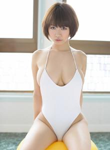 日本演员童颜巨乳美女菜乃花Nanoka死库水写真图片
