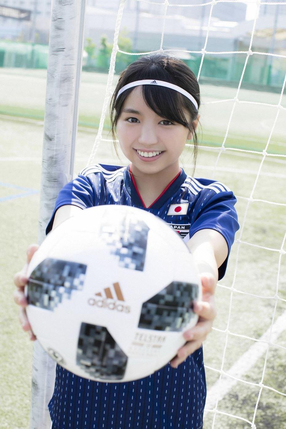 日本美女艺人足球宝贝大原优乃超大巨乳萌妹子写真图片