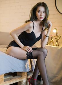 气质美女嫩模陈良玲Carry丝袜美腿极度诱惑私房写真