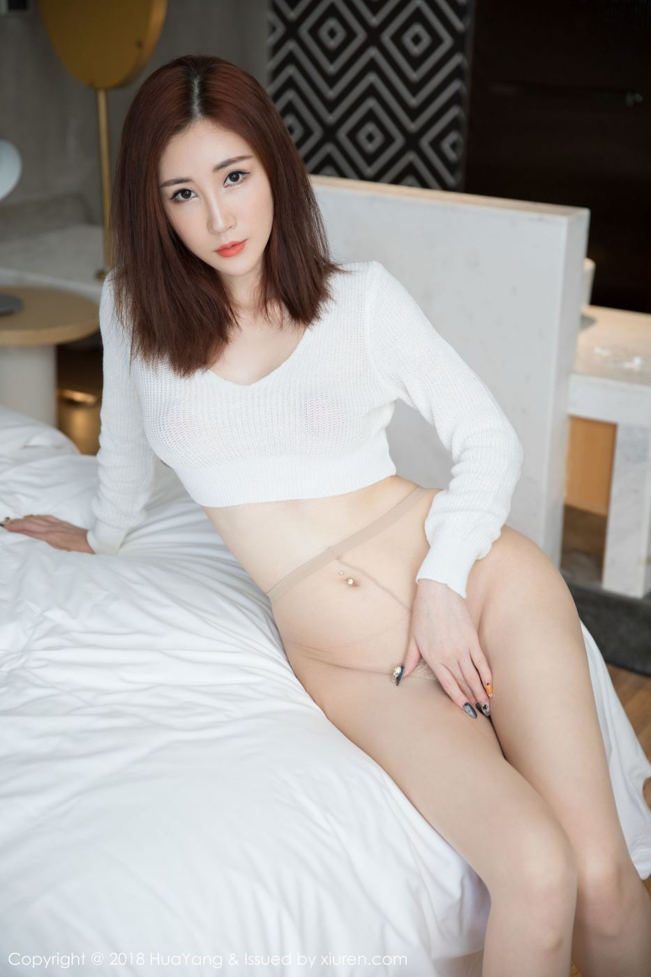 御姐范人气女神孙梦瑶性感丝袜美腿大尺度私房美女写真