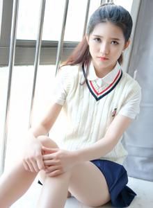 清纯学生妹可爱的小叶子校服美女超短裙小仙女图片