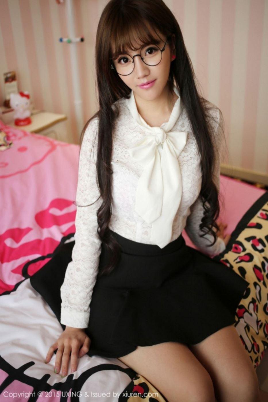 星优馆萌妹子艾西Ashley超短裙秀美腿清纯美女写真图片