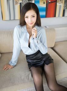 尤蜜薈御姐Yumi尤美襯衫黑絲OL絲襪美腿私房無碼寫真