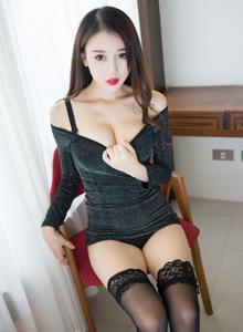 长腿美女赵小米Kitty黑丝诱惑性感尤物裸足福利图片
