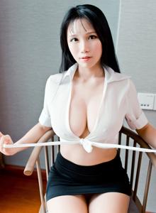 性感巨乳美女李可可秘书OL制服诱惑大尺度写真套图