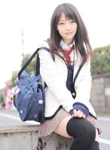 日本小姐姐安藤遥学生装长筒袜美女校花写真图片