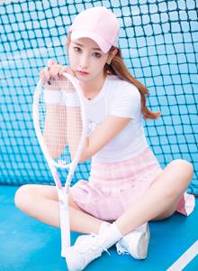 校园女神网球少女粉色小短裙清纯户外唯美写真图片