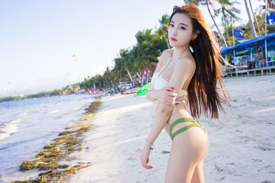 小清新网红女神杨晨晨sugar性感吊带连衣裙美胸写真